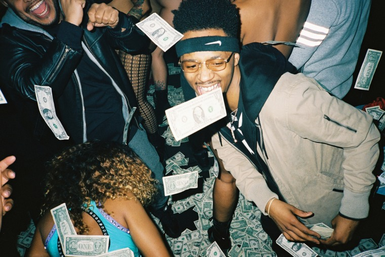 "Metro Boomin Recruits Travis Scott For ""Blue Pill"""