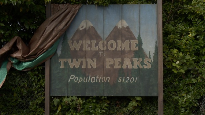 <i>Twin Peaks</i> Will Return To TV In May