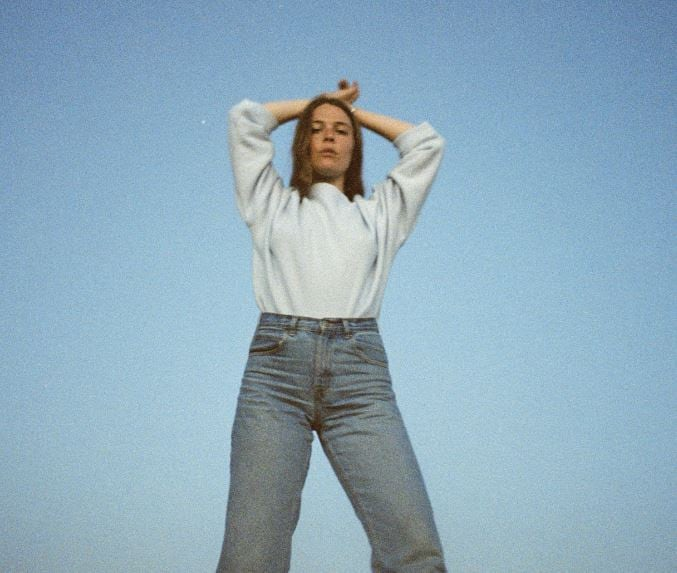 """Maggie Rogers shares new single """"Fallingwater"""""""