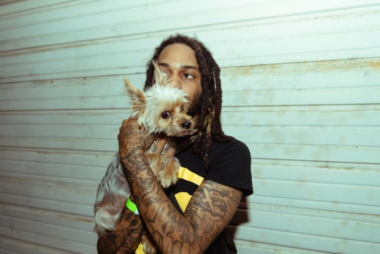 "Valee shares ""Womp Womp"" featuring Jeremih"
