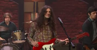 "Watch Kurt Vile perform ""Yeah Bones"" on Late Night With Seth Meyers"