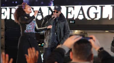 "Watch Alicia Keys And Jay Z Perform ""Empire State Of Mind"" Live In Times Square"