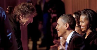 President Obama Congratulates Bob Dylan On Nobel Prize Win