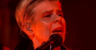 "Watch Robyn perform ""Ever Again"" on The Late Show"