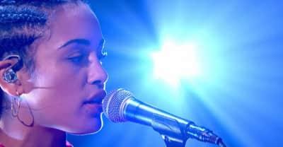 "Watch Jorja Smith play ""Blue Lights"" on Jools Holland"
