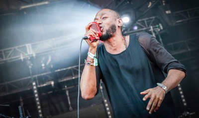 "Watch Yasiin Bey And BADBADNOTGOOD Perform Their New Song ""Arcade"""