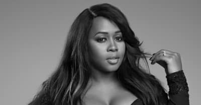 "Remy Ma Performs ""shETHER"" Live"