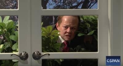 Watch Melissa McCarthy As Sean Spicer On Saturday Night Live