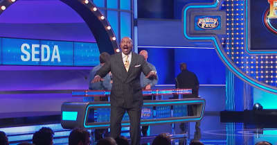 "Steve Harvey says ""Fuck Pusha-T,"" calls him broke, then freestyles on Family Feud set"
