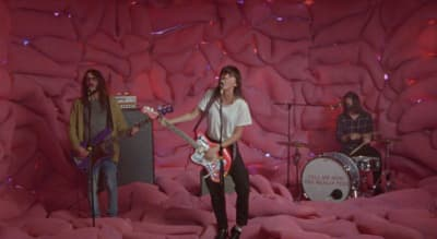"Watch Courtney Barnett's ""Everybody Here Hates You"" music video"
