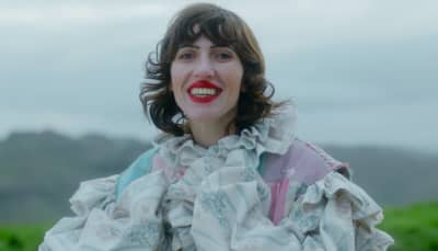"Watch Aldous Harding's transfixing new ""Zoo Eyes"" video"