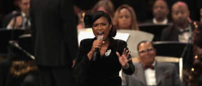 """Watch Jennifer Hudson's stunning rendition of """"Amazing Grace"""" at Aretha Franklin's funeral"""