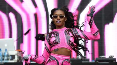 """Listen to Azealia Banks' """"God's Plan"""" freestyle"""