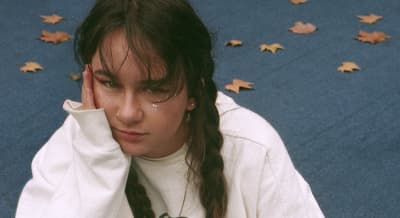 "Mallrat announces new EP, drops new single ""Charlie"""