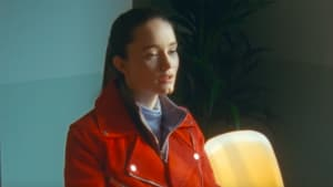 """Sigrid dances the pain away in new """"Don't Feel Like Crying"""" video"""