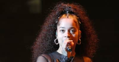 """Watch Ella Mai perform """"Boo'd Up"""" and """"Trip"""" on Saturday Night Live"""