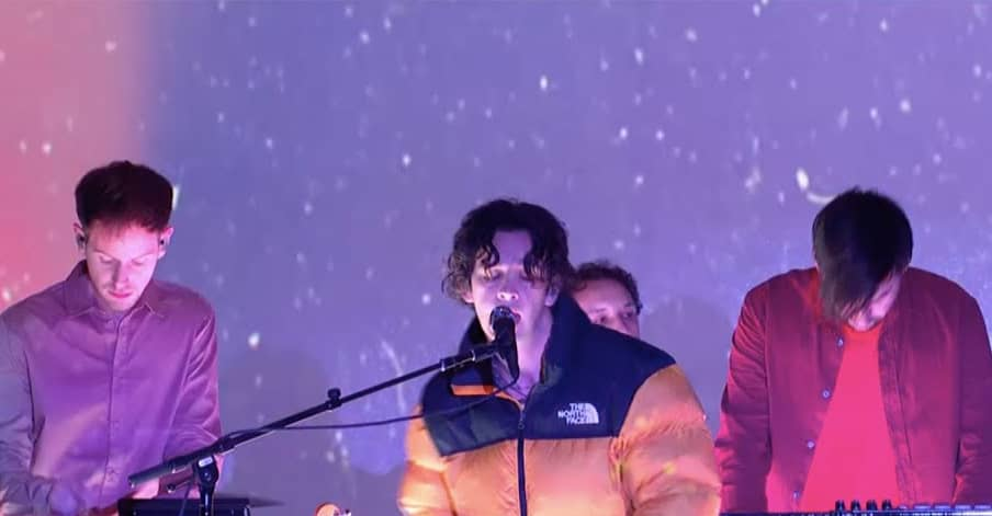 """Watch The 1975 perform """"Frail State Of Mind"""" on Colbert"""