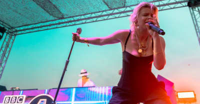 "Watch Robyn perform ""Missing U"" for the first time"