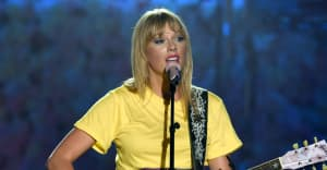 """Taylor Swift drops new track """"The Archer"""""""