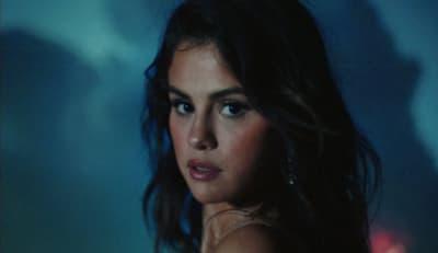 "Selena Gomez announces Spanish-language EP, shares new video ""Baila Conmigo"""