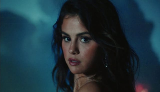 "Selena Gomez announces Spanish-language EP, shares new video ""Baila Conmigo"" 1"