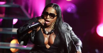 Foxy Brown booed offstage in New York