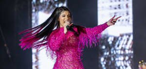 "Cardi B says that before her, ""labels were signing female rappers and putting them [on] a shelf"""