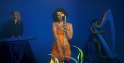 "Kali Uchis drops an acoustic video for ""Dead To Me"""