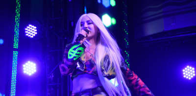 "Watch Ava Max play ""Torn"" and ""Sweet But Psycho"" at the 2019 VMAs"