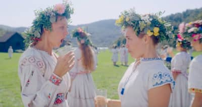 What the hell is going on in the Midsommar trailer?