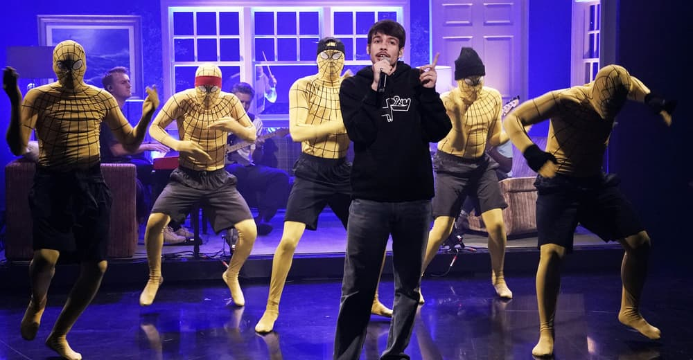 "Watch Rex Orange County perform ""10/10"" on Fallon"