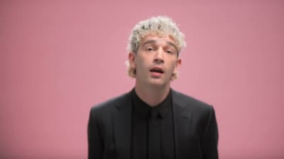 "The 1975 drop the ""TOOTIMETOOTIMETOOTIME"" music video"