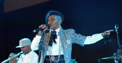 Ms. Lauryn Hill has removed Santigold and Nas from her tour