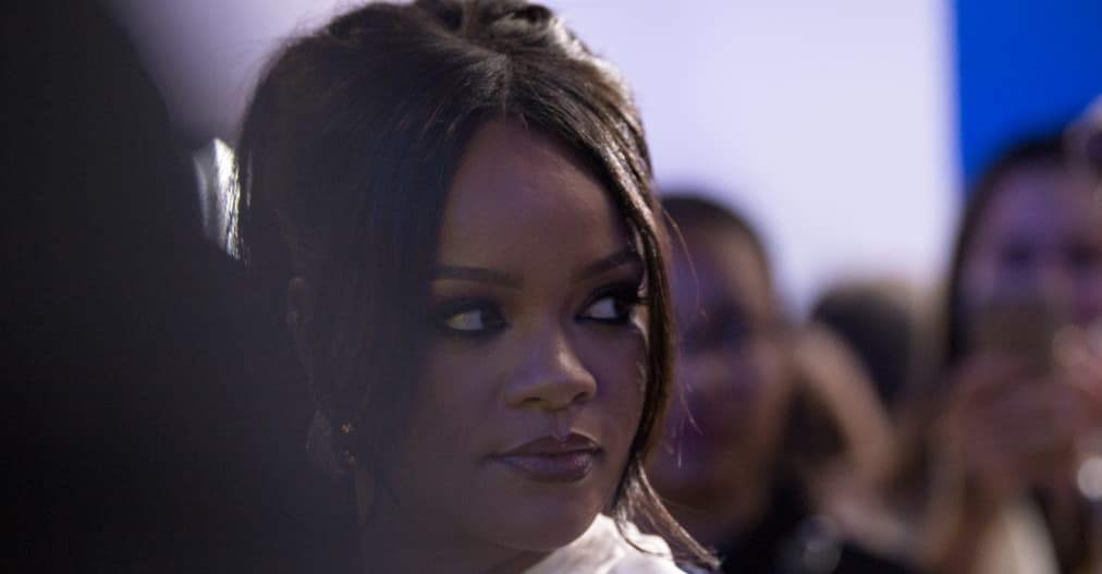 "Rihanna apologizes to Muslim community for ""offensive"" song played during Fenty fashion show"