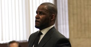 Prosecutors accuse R. Kelly of trying to blackmail alleged victims