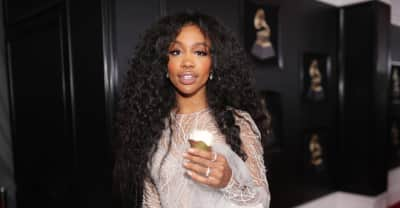 "SZA returned to her high school and performed ""The Weekend"""
