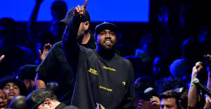 """Kanye West dedicates """"All Day"""" performance to Kobe Bryant, reminisces on his reaction to the song"""