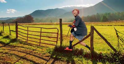 """Lil Tracy previews Lil Uzi Vert remix to """"Like a Farmer"""""""