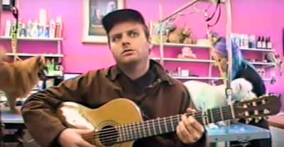 "Watch Mac DeMarco Play ""This Old Dog"" In A Dog Grooming Salon"