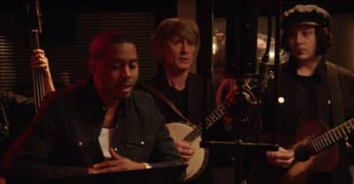 "Watch Nas Perform ""One Mic"" With Jack White"