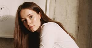 """Sigrid's """"Sucker Punch"""" video is an explosion of sound and color"""