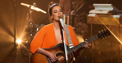 "Watch Kacey Musgraves perform ""Golden Hour"" on The Late Late Show"