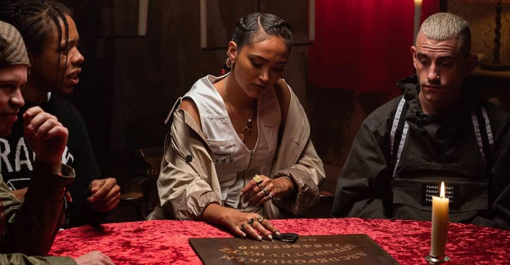 """Joy Crookes gives us a sign in her """"Hurts"""" video"""