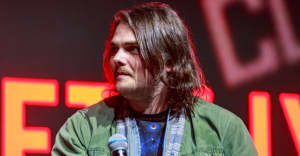 """Gerard Way of My Chemical Romance shares new song """"Here Comes The End"""""""