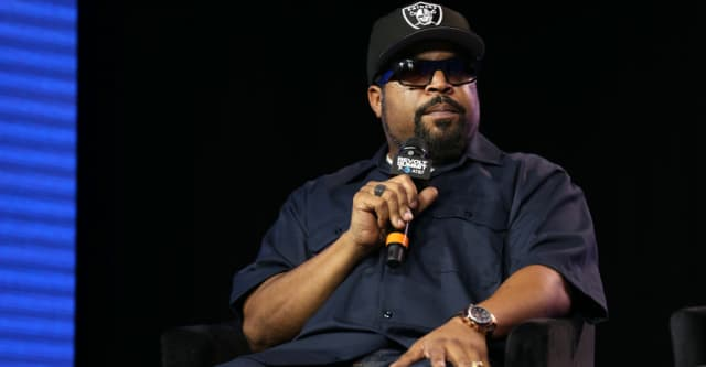 Ice Cube actually thinks Donald Trump can be pressured to close the racial income gap 1