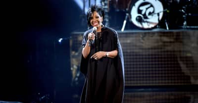 Gladys Knight will sing the National Anthem at the Super Bowl