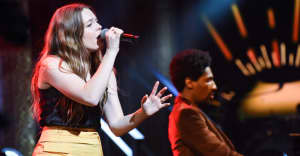 """Watch Maggie Rogers perform """"Burning"""" on The Late Show"""