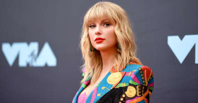 "Taylor Swift criticizes Netflix show for ""lazy, deeply sexist joke"" on her relationship history"