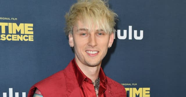 Machine Gun Kelly has the No.1 album in the country 1