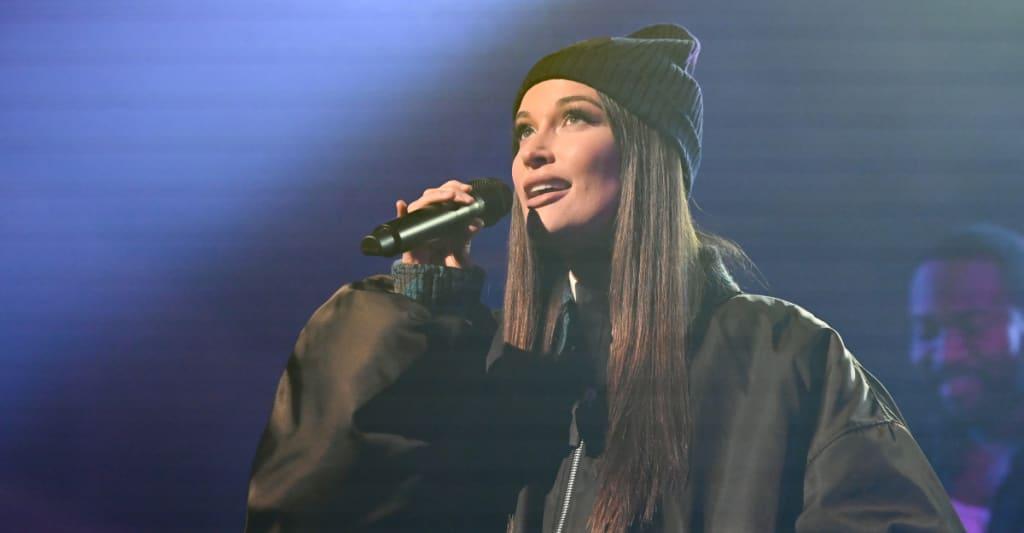 """Watch Kacey Musgraves perform """"breadwinner"""" on Colbert"""